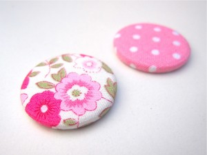 scrap-et-textile_produit_badge_liberty_rose_vif_3