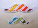scrap-et-textile_produit_moustaches_multicolores_3