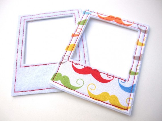 scrap-et-textile_produit_pola_moustaches_multicolores_surpiqures_rouges_1