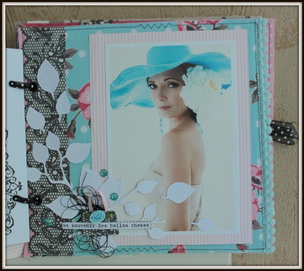 scrap-et-textile_realisation_album_tissu_post_card_from_paris_par_tribucosta_14