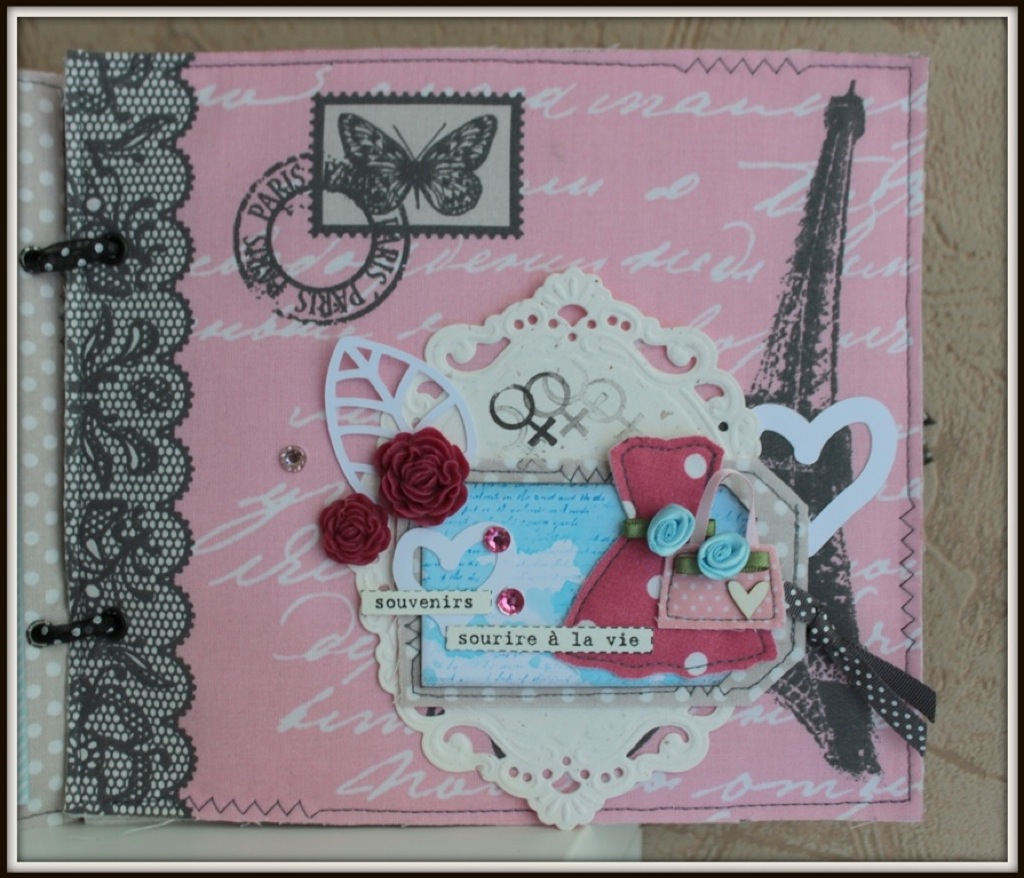 scrap-et-textile_realisation_album_tissu_post_card_from_paris_par_tribucosta_5