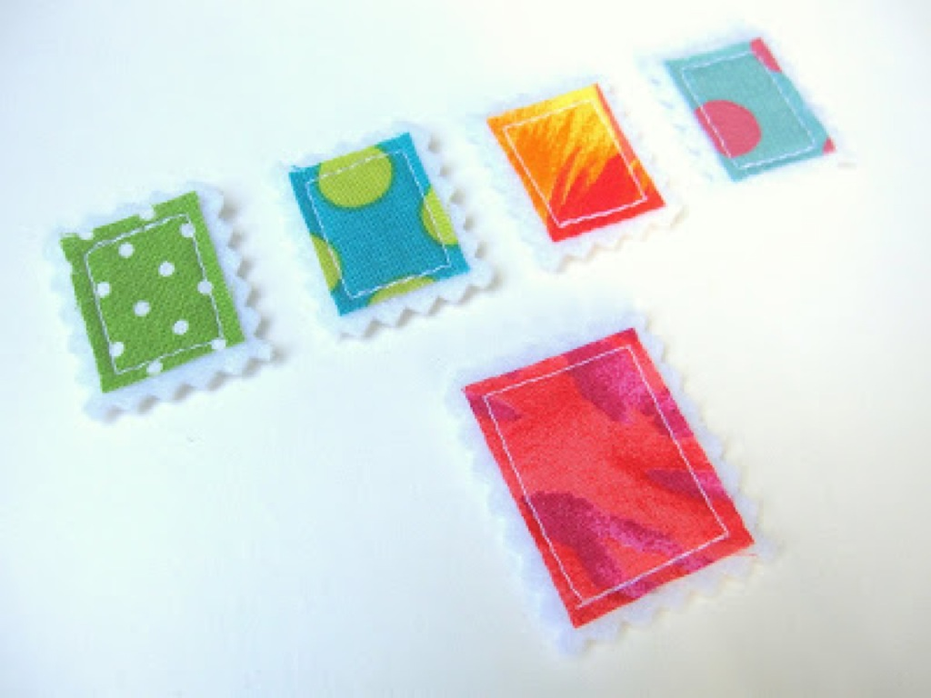 scrap-et-textile_produit_lot_timbres_multicolores_1