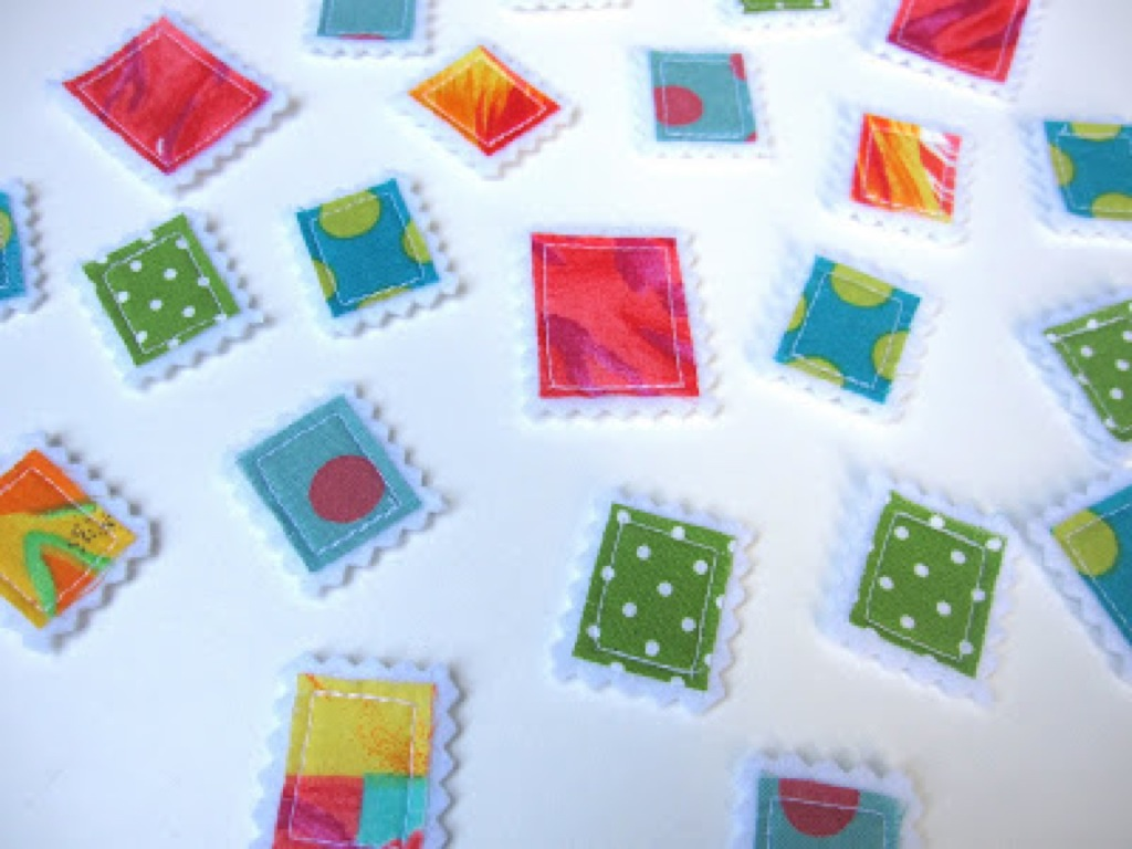 scrap-et-textile_produit_lot_timbres_multicolores_3